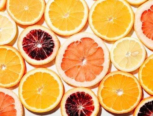 Bị chảy máu chân răng nên ăn vitamin c