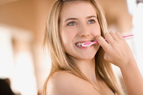 Nhổ Răng Hư Có Trồng Răng Implant Được Không -4