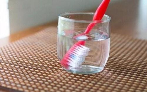 Cách Làm Sạch Bàn Chải Đánh Răng Hiệu Quả -4