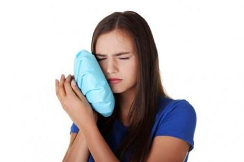 cách vệ sinh răng miệng sau khi nhổ răng 2