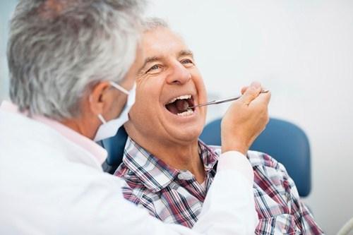 chi phí làm răng tháo lắp hiện nay là bao nhiêu 1