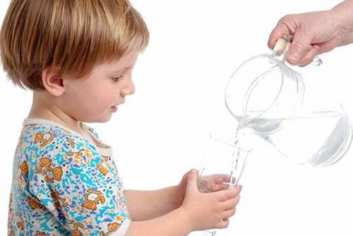 uống nước lọc sau khi đánh rang vào ban đêm
