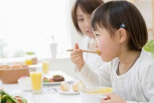 nguyên nhân và cách chữa bệnh hôi miệng ở trẻ nhỏ 7