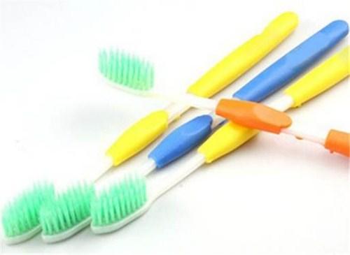 phương pháp vệ sinh răng miệng khi chỉnh nha 2