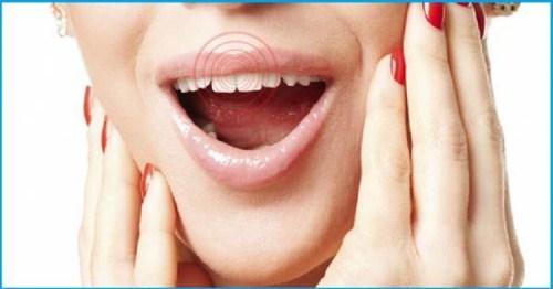 răng bị đau sau khi trồng răng sứ là do đâu 2