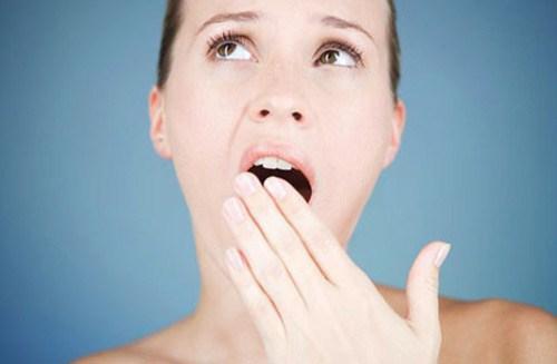 trồng răng giả tháo lắp bị hôi miệng thì phải làm sao 2